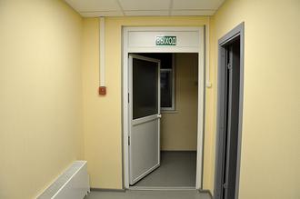 Просторный коридор, где можно родителям подождать окончания занятий.
